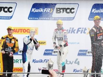 podium-chilton-sutton-turkington-neal-004