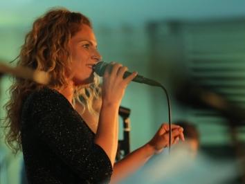 TOCA-Awards-singer