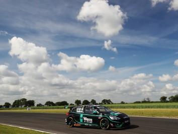 Sam Osborne (GBR) - Motorbase Performance Ford Focus ST