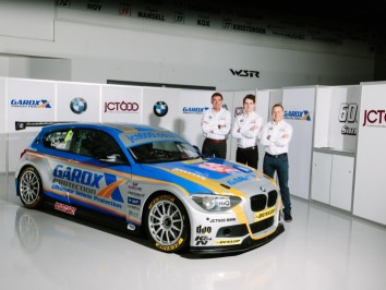 Team JCT600 with GardX BMW