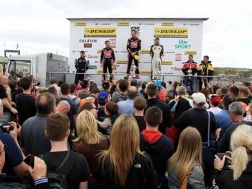 podium_01-2
