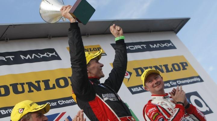 Aron Smith (IRL) CHROME Edition Restart Racing Volkswagen CC