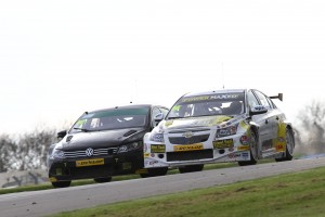Aron Smith (IRE) Team BMR Volkswagen Passat CC and Josh Cook (GBR) Racing For Heroes Chevrolet Cruze