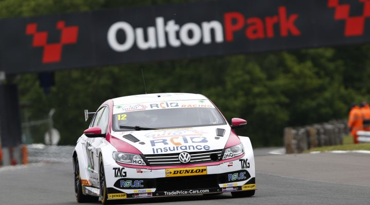 Team Hard Took Home A Bundle Of Dunlop Msa British Touring Car Championship Points At Oulton Park As The Outfit Returned To Form In Cheshire
